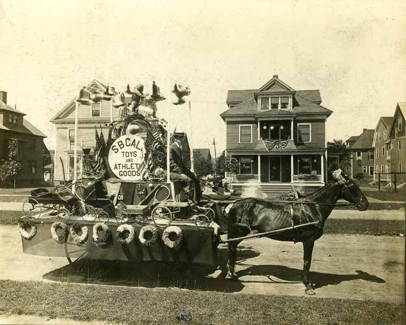 Parade Float Style | National Museum of American History