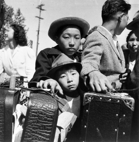 a look at the relocation centers of japanese americans between 1942 and 1943 Internees prepare lunch meals for japanese americans held at the at the internment center at the santa anita park race track in ca, on july 2, 1942 during world war ii (ap photo) facebook.