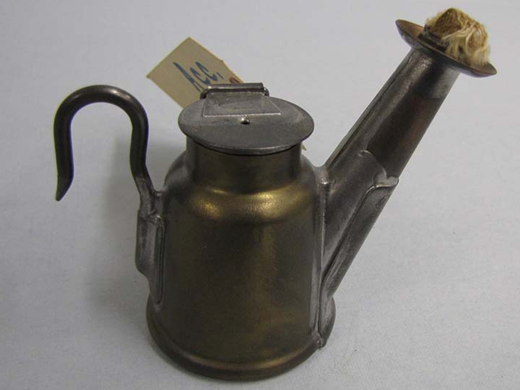 Image of an Oil-Wick Cap Lamp