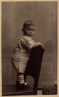 An old photograph of Ralph Baer as a baby in 1923