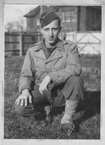 A photograph of Ralph Baer in 1944, wearing an Army uiform