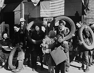 the american homefront in ww2 essay World war ii had a profound impact on the united states although no battles occurred on the american mainland, the war affected all phases of america.